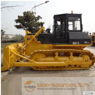Crawler bulldozer Shantui SD13 with three-shank ripper