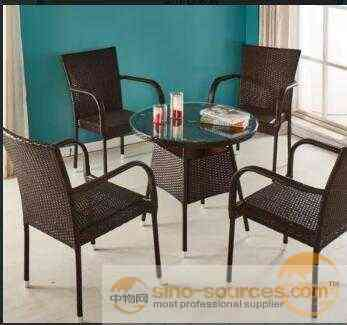 Outdoor garden Furniture PE Rattan Table And Chair Set