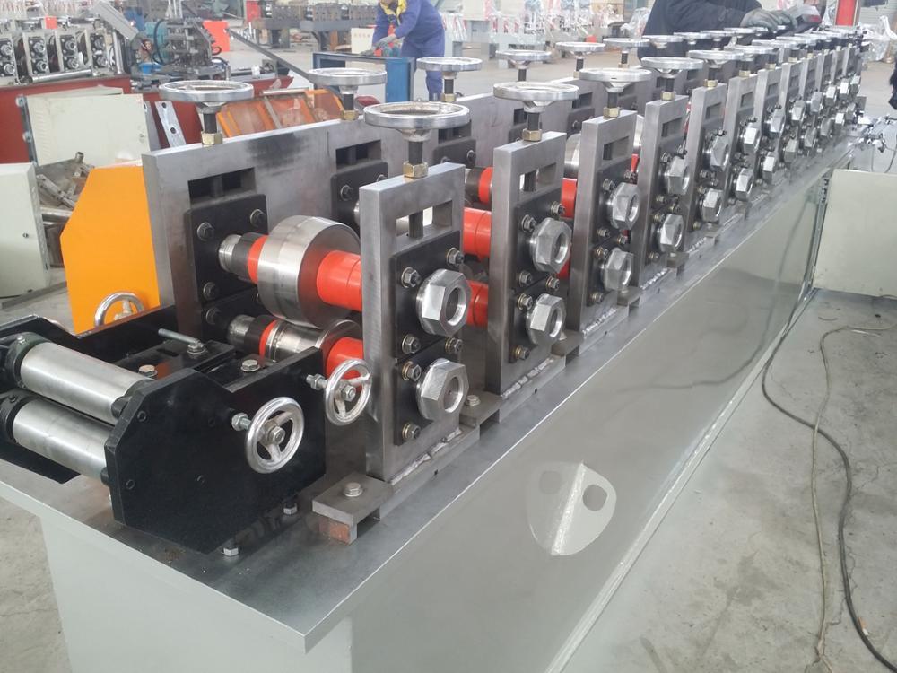 Steel house frame light keel roll forming machine ,L light keel making machine