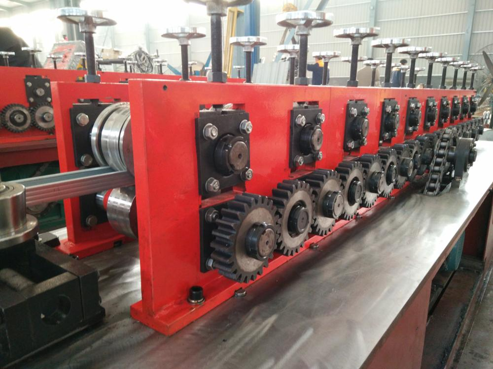 CANGZHOU FORWARD LIGHT KEEL ROLL FORMING MACHINE LIGHT GAUGE ROLL FORMING MACHINE