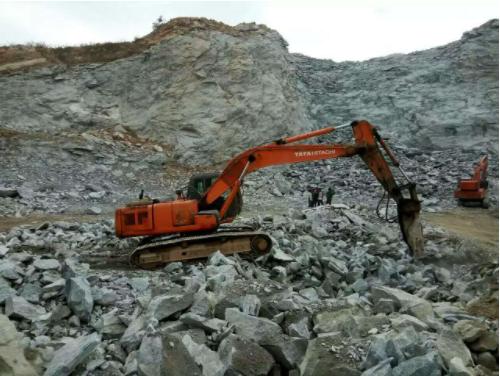 挖掘机2.jpg